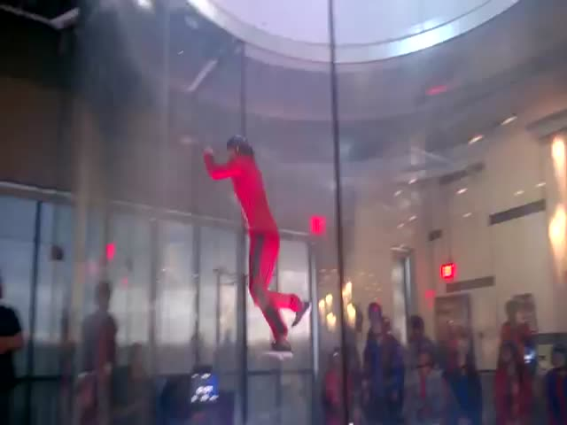 Awesome Spiderman Move during Indoor Skydiving  (VIDEO)