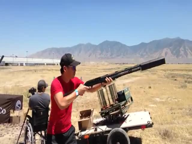How a Shotgun with a Silencer Sounds like