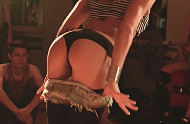 These Hot Twerking Russian Girls Are a Treat for the Eyes