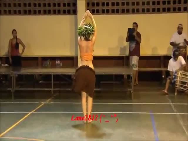 Forget about Twerking, Tahitian Dancing Is Much Better  (VIDEO)