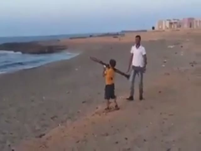 Kid in Libya Learns How to Fire an RPG  (VIDEO)