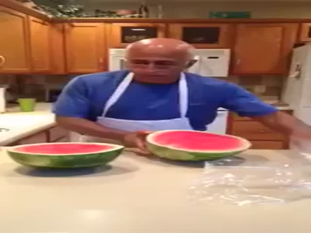 Easiest and Fastest Way to Cut a Watermelon  (VIDEO)