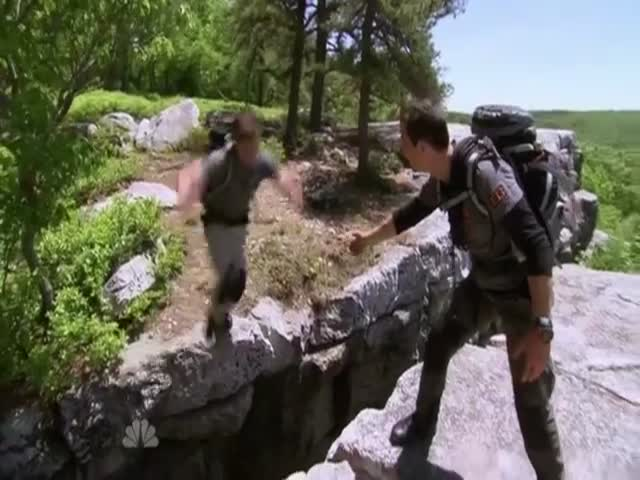 The Ultimate Bromance: Zac Efron and Bear Grylls Go 'into the Wild'