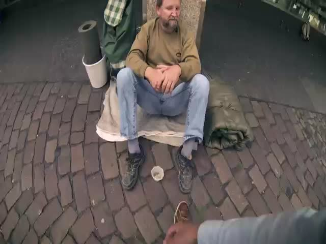 Three German Students Surprise a Homeless Man