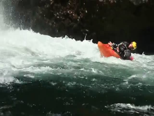 Kayaking Can Be Quite Brutal and Terrifying  (VIDEO)