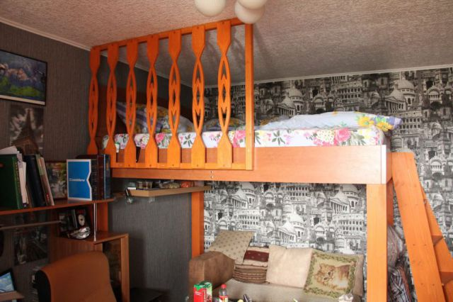 A DIY Loft Bed That's Pretty Awesome