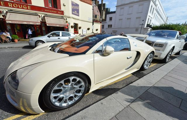Arab Supercar Owners Flood London Streets with Impressive Luxury Rides