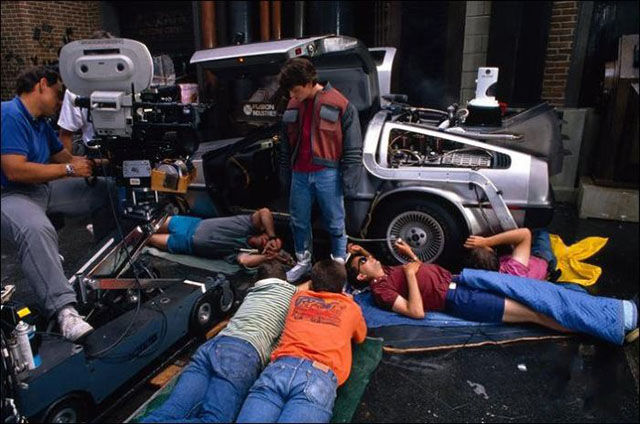 Candid Backstage Photos on the Set of Well-known Films