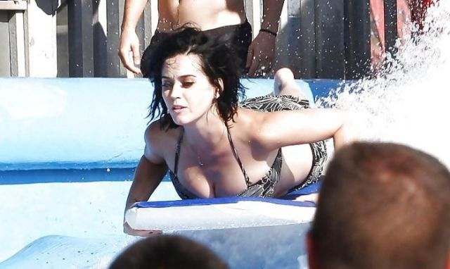 Katy Perry Loses Her Undies in a Water Park