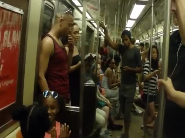Broadway Cast of 'The Lion King' Surprises NYC Subway Commuters  (VIDEO)