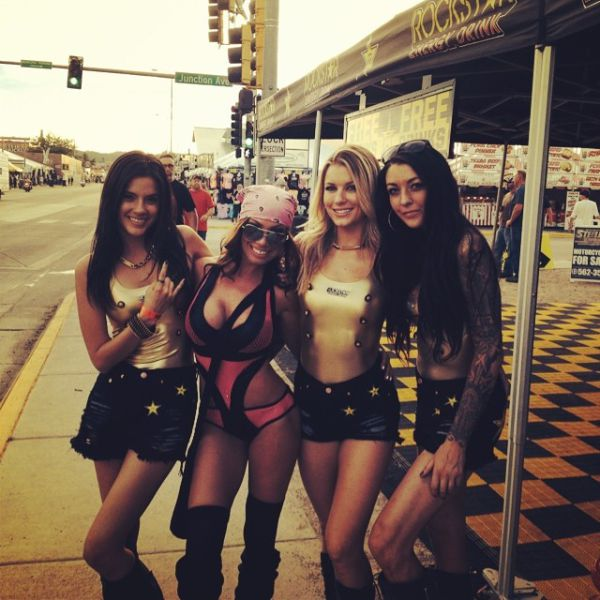 crazy-biker-party-babes-compete-with