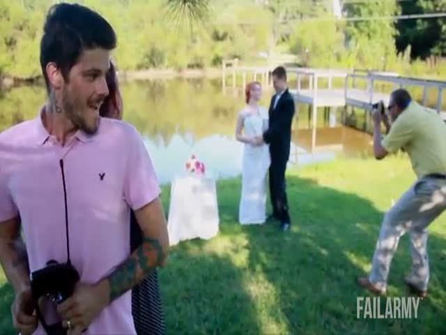 The Ultimate Wedding Fails Compilation  (VIDEO)