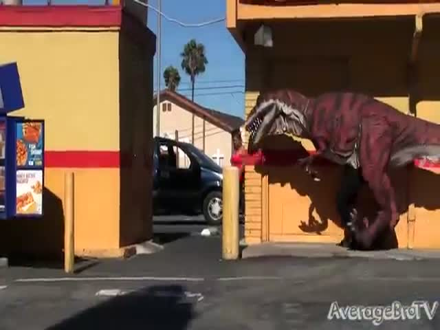 Dinosaur in the Hood Prank