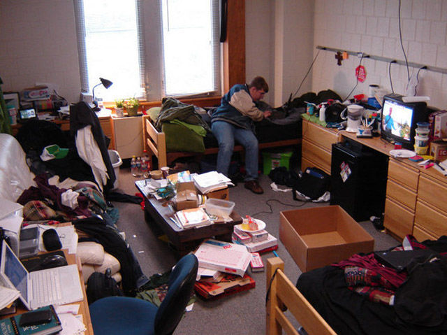 What College Looks Like on Instagram vs. What It's Like in Real Life