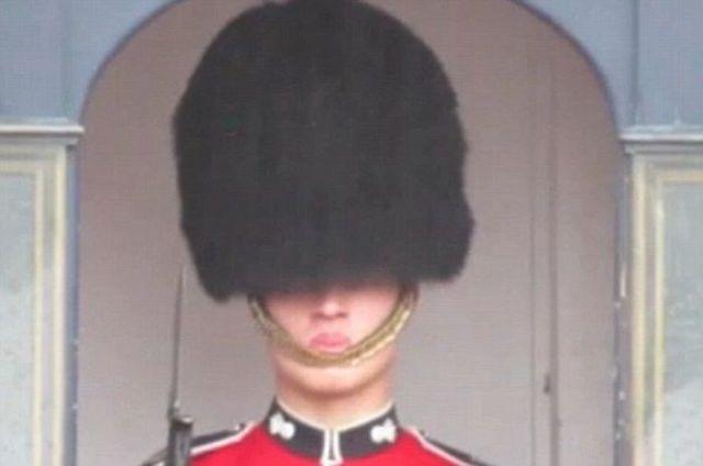 The Queen's Guard Suffers an Annoying Clothing Fail