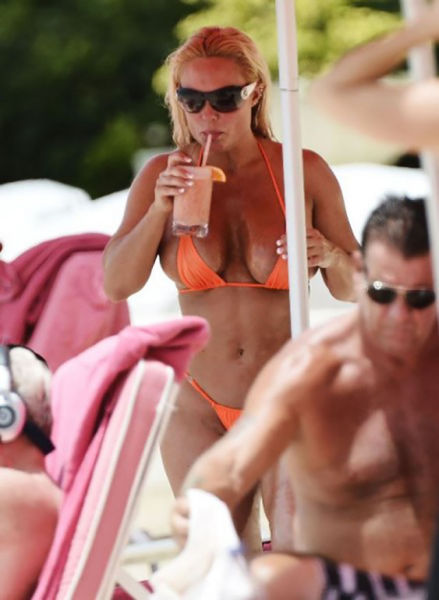 Ice T and Coco Austin on a Relaxed Beach Holiday