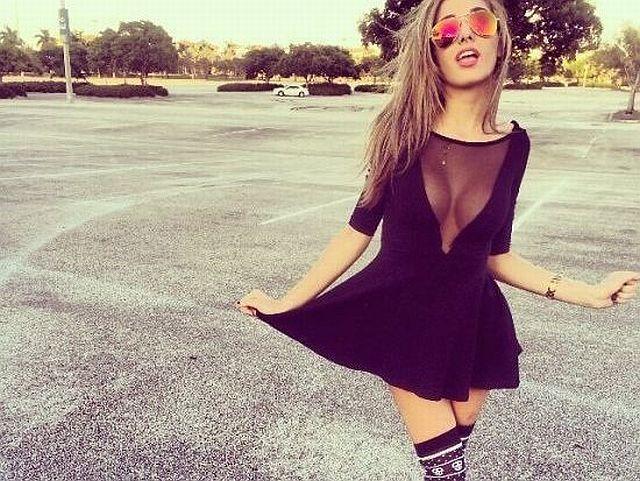 Girls Who Make Mesh Dress Look Amazing