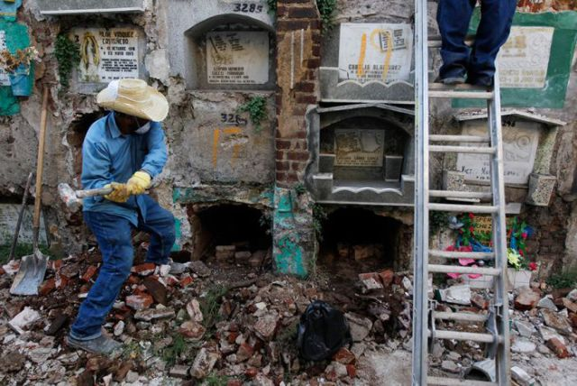 Dead Guatemalan People Are Not Laid to Rest Peacefully