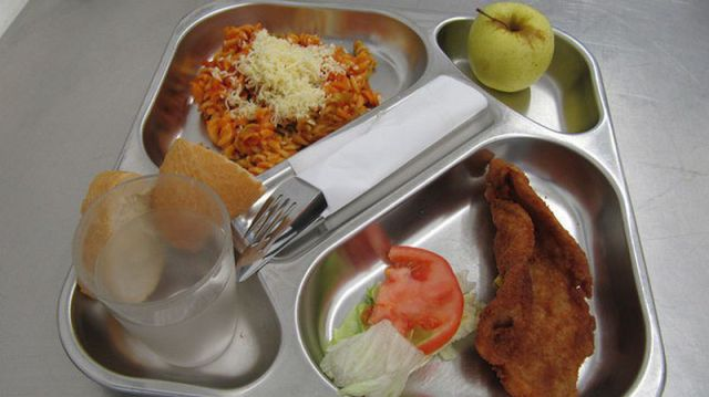 What Kids Eat for Lunch at Schools Worldwide