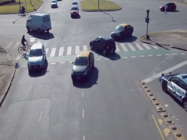 The Most Stressful Rush Hour Footage Ever  (VIDEO)