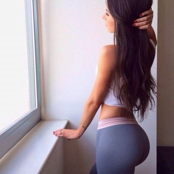 Hot Girls Who Show Just How Sexy Fit Is!