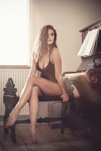 Sexy Girls Show Off in Skimpy Underwear