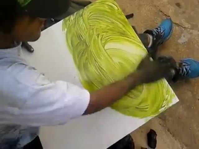 Street Artist Paints Using His Fingers Instead of Paintbrushes  (VIDEO)