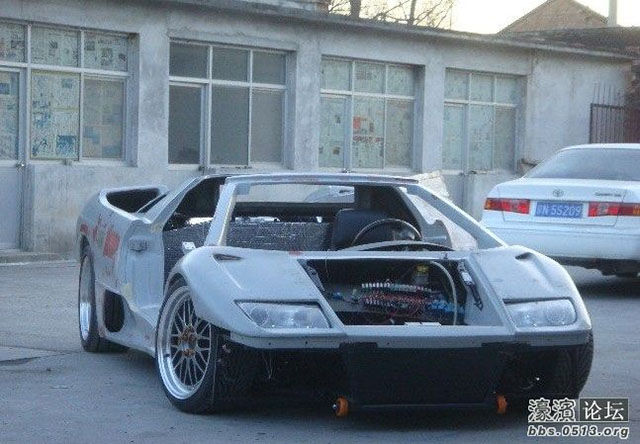 Chinese Engineers Build Their Very Own Dream Lamborghini Diablo from Scratch