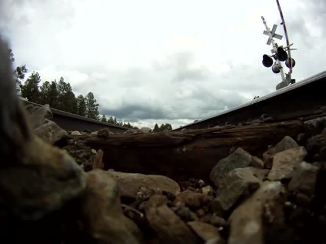 What It Looks like Under a Train Going at 75mph  (VIDEO)