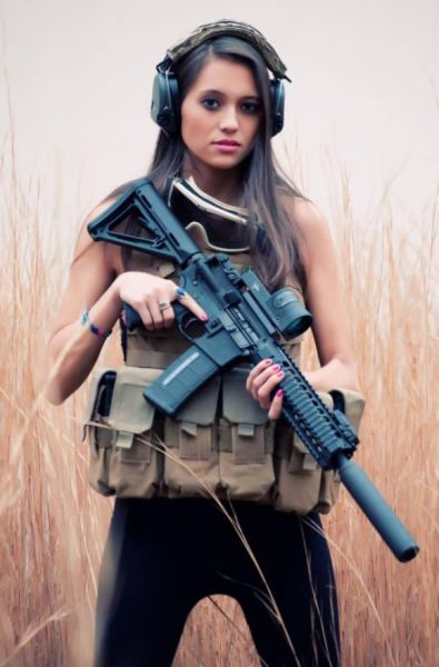 Hot Chicks with Guns Are Definitely a Killer Combination