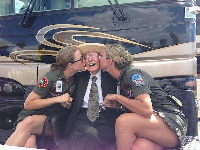 фото секс старик с молоденькой