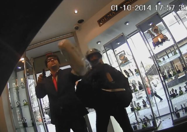 67-Year-Old Jewelry Store Employee Defends Himself Against 2 Robbers