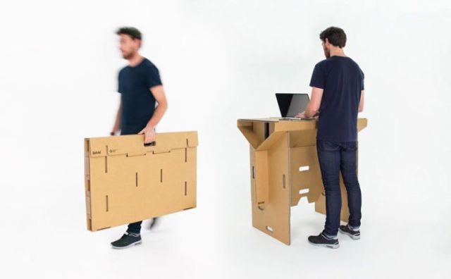 A Desk You Can Actually Carry around with You