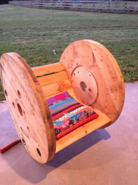 A DIY Comfy Cable Wheel Chair That Is a Genius Design