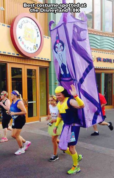Cute, Funny and Fantastical Moments Captured at Disney Theme Parks