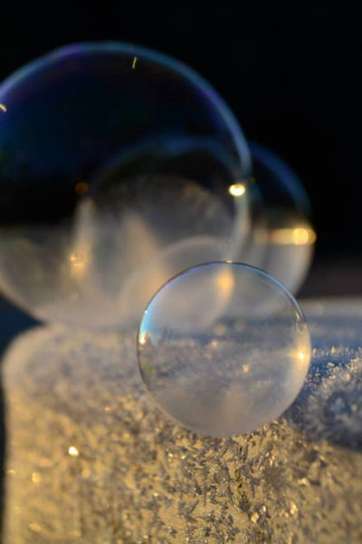 The Amazing Effect of Cold Temperatures on Bubbles