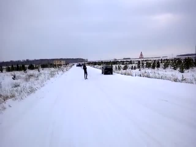 Massive Street Brawl between Rival Russian Cities