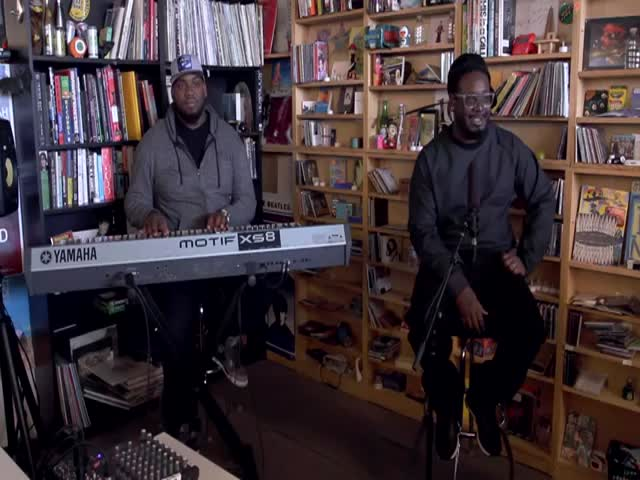 T-Pain Proves He Can Sing without Auto-Tune  (VIDEO)