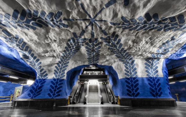 Stunning Metro Stations Worldwide