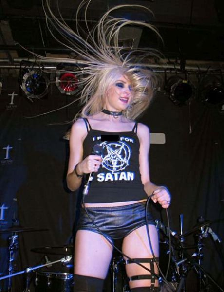 Taylor Momsen Is Not the Little Girl We Used to Know