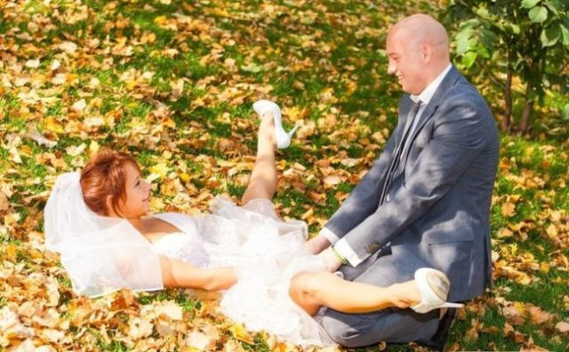 Engagement Photos That Will Make You Feel Happy to Stay Single