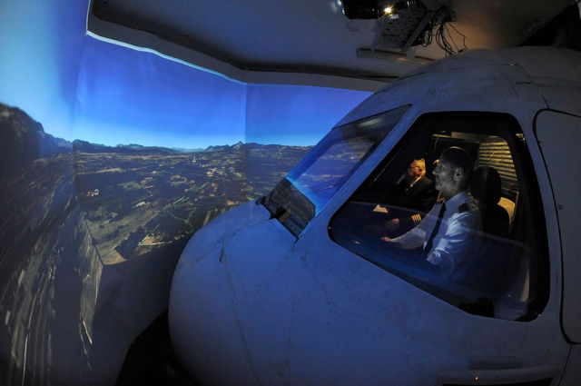 A Homebuilt Flight Simulator That Is Out of This World