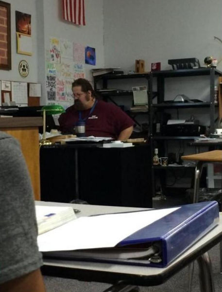 Teacher's Epic and Embarrassing Fail in Class