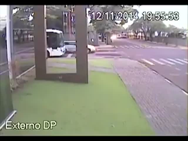 Trying to Catch the Bus Gone Wrong  (VIDEO)