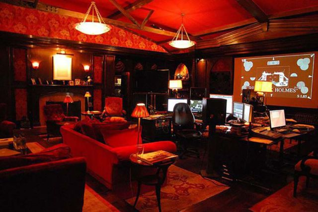 Inside Hans Zimmer's Cosy and Gorgeous Music Studio