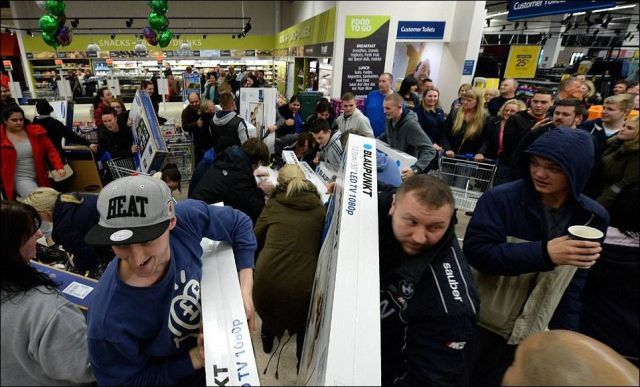 A Black Friday Face-off between Customers in Britain