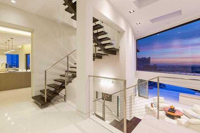 A Luxury Beverly Hills Mansion with Awesome Views of the City