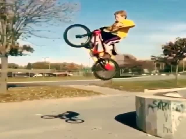 Kid's Epic BMX Landing Fail at the Skatepark  (VIDEO)