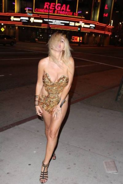 Big Breasted Drunk Girl Wears Almost Nothing on the Streets