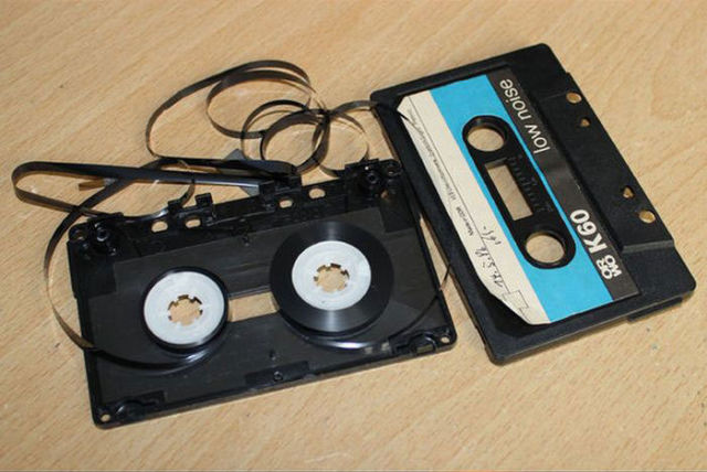 Turn an Old Cassette Tape into a Retro Style MP3 Player
